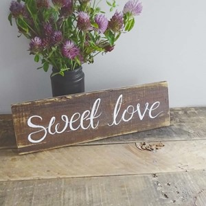 "Product photo of ""Sweet Love"" Sign"